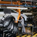 Российские автозаводы могут встать из-за нехватки чипов