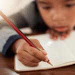 Как помочь ребенку улучшить почерк